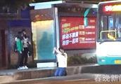 """昆明一男子""""劫持""""84路公交 拳打乘客还扬言打劫被赶下车"""