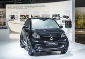 续航里程提高 新Smart ForTwo电动车将亮相巴黎车展