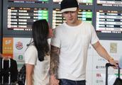 被爱情滋润发福的蒋劲夫现身机场,与日本女友中浦悠花紧密牵手!