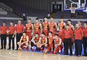 中国男篮12人名单确定,易建联周琦领衔