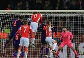 欧冠:巴萨平国米提前出线;利物浦爆冷负;马竞胜多特;巴黎平