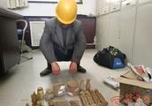 河南男子向便衣民警兜售假文物 被抓个正着