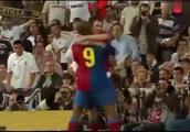 那天21岁梅西带领巴萨6比2皇马!让皇马主场球迷都崩溃了