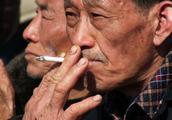 长期吸烟,睡觉时出现3大表现,小心肺已受损,占了一个也要戒烟