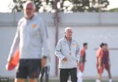 石柯王大雷缺席国足训练 张鹭恢复良好 亚洲杯23人名单有变数?