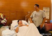 母子平安!冯坤生下宝贝儿子 体重3240克