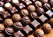 适量食用黑巧克力有益心脏
