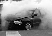 道路千万条,安全第一条!开车遇到突发状况如何处理?