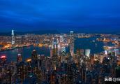 """""""拒保大陆人""""、""""分红数据造假"""",红极一时的香港保险怎么了?"""