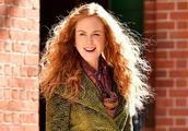 51岁妮可基德曼换了羊毛卷像28!和女儿现身,女儿颜值不如妈