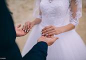 越穷越不结婚,越不结婚越穷,婚姻可以创造财富|朱身勇