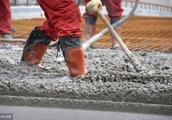 """疯狂的水泥!产能严重过剩,价格却两年翻番,水泥企业""""协同限产保价""""涉嫌垄断?"""