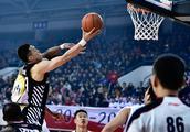 CBA正在直播,深圳vs卫冕冠军辽宁,顾全郭艾伦上演精彩对决