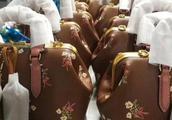 暗访中国最大高仿包工厂,想知道你的LV包包是真的假的吗?都在这