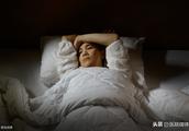 """晚上失眠是怎么回事?不解决8个问题,难以""""甩掉""""失眠"""