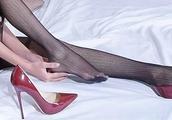 浅口的高跟鞋里,黑色的高跟鞋算是最漂亮的吗?
