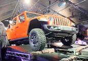 """洛杉矶车展:Jeep""""角斗士""""全面升级!牧马人新皮卡亮相洛杉矶"""