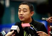 刘国梁一举动惹争议!国乒再次输球两大教练早已看出问题却被无视