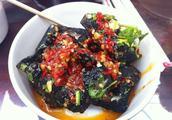 臭豆腐吃多了会生病吗?营养师:臭豆腐的发酵方式,决定是否健康