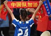 中国男足0:1惨败泰国,中国球王武磊成罪魁祸首!