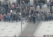 「央视新闻」暴力袭警、打砸车辆……公安机关依法侦办这起严重暴力犯罪案件