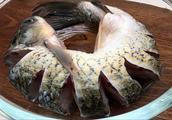 喜欢吃鱼要收藏,学会这种秘制做法,不用一滴油,4斤大鱼不够吃
