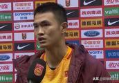 希丁克集训队淘到宝,尹聪耀进球献球迷,力争为重庆斯威多进球