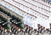 印度人怀疑中国阅兵造假,称都是电脑合成,网友直言咖喱吃傻了