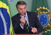 巴西总统博索纳罗下令放宽枪支管制,称能改善治安状况