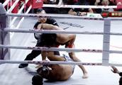 藏族格斗王子打法暴力,把对手按在地上暴打,裁判拉都拉不住