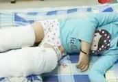 一对活泼可爱的双胞胎 遭人砍断脚筋 爸爸哭哑嗓子 凶手竟是爷爷
