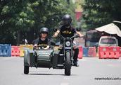 轴传动200cc带倒档 银钢新款边三轮
