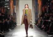 拥有致命吸引力的范思哲在冬季时装周上表现亮眼,堪称史上最佳