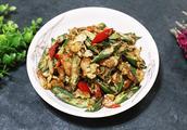 厨师长为你解密:秋葵怎么做才好吃?特别简单,看一遍就能学会!