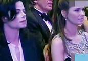 张学友不愧是歌神,一首歌竟能让台下的迈克尔杰克逊连连鼓掌