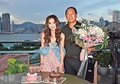 温碧霞预祝52岁生日,冻龄美貌引网友称赞:像二十几岁的姑娘