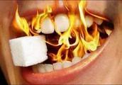 一艾灸就上火,说明这里太堵了,艾灸一个穴,火气蹭蹭赶出去!