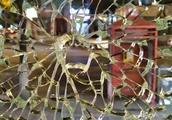 双桥路一店铺3天连遭钢珠袭击致1伤 警方介入调查