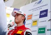 周冠宇:离F1最近的中国人|人间