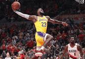 NBA比赛19日汇总:湖人负开拓者,热火绝杀奇才,76人胜公牛