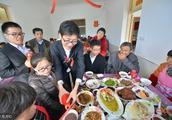 伴娘只要是个女的就行!上海崇明岛农村婚礼有特色,婚宴硬菜真多