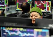 比特币不到一年跌近 80% 蒸发 1 万亿?