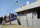 由于希腊独立日,比雷埃夫斯港口向公众开放,纪念希腊战争的开始