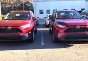 高清实拍,2019款丰田荣放RAV4 LE和XLE版实车对比