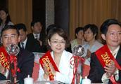 江苏最有钱的夫妻:丈夫赚来717亿超越刘强东,妻子还有一笔财富