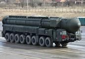 战略武器反击美国,俄罗斯用这种方式突围,日本却受伤严重