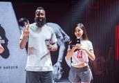 中国最美NBA双语主播!曾和54岁老外富豪结婚,现32岁单身无人娶