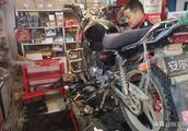 雅马哈摩托车曲轴箱异响,检查发现是这儿损坏,保养不当的后果!