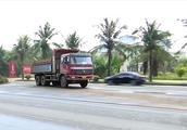 货车被迫违规(1):海湾大桥10分钟内10辆大车违规 居民休息受影响