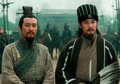刘备到底比曹操强在哪里?他屡战屡败,关羽张飞一生却死心塌地!